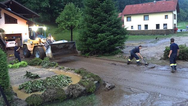 Überflutungen nach heftigen Gewittern in Kärnten (Bild: APA/WWW.FEUERWEHR-WOLFSBERG.AT)