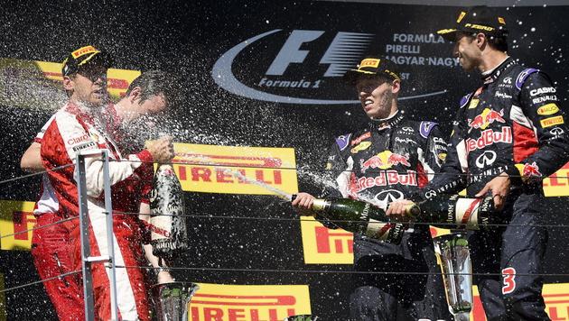 Vettel gewinnt verrückten Grand Prix von Ungarn (Bild: APA/EPA/JANOS MARJAI)