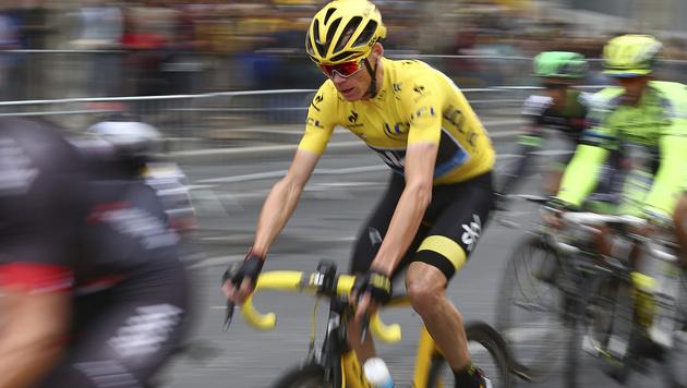 Christopher Froome holt wie 2013 Tour de France (Bild: AP)