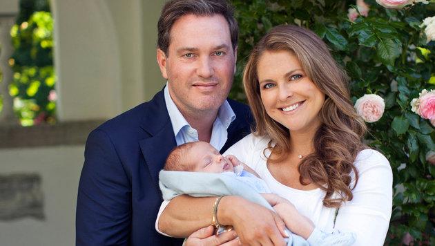 Chris O'Neill und Prinzessin Madeleine mit ihrem kleinen Nicolas (Bild: Brigitte Grenfeldt, Kungahuset.se)