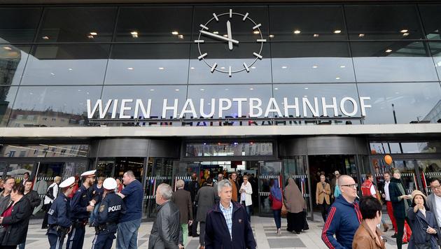 Der Wiener Hauptbahnhof (Bild: APA/ROLAND SCHLAGER)
