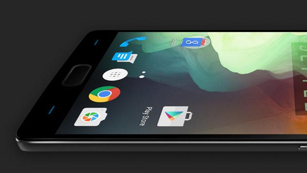 Ein Speicherkarten-Slot fehlt, dafür bietet das OnePlus 2 einen Fingerabdruck-Scanner. (Bild: OnePlus)