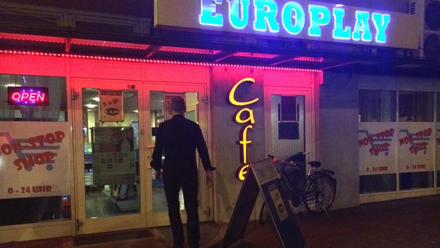 Dieses Wettcafé in Klagenfurt war Ziel des Überfall. (Bild: Christian Rosenzopf)