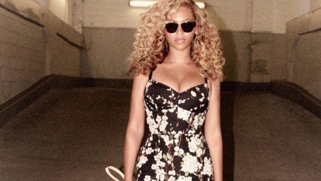Sängerin Beyonce zeigt ihr Mega-Dekolleté auf diesem Instagram-Bild. (Bild: Viennareport)