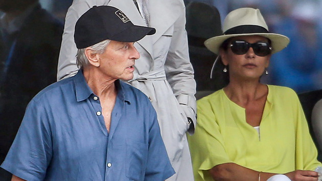Milliardär flog Douglas und Zeta-Jones ein (Bild: APA/EPA/RICHARD PURGSTALLER)