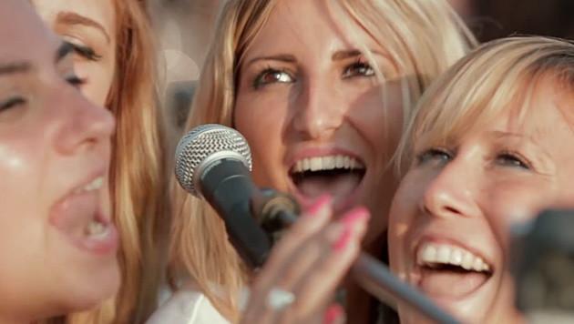 Foo Fighters: 1.000 Fans landen Internet-Hit (Bild: YouTube.com)