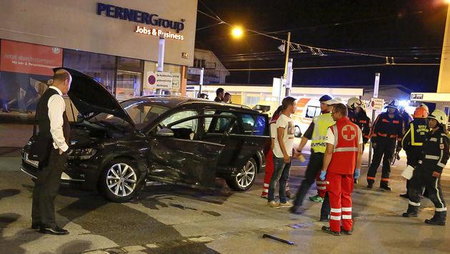 Polizeiauto kollidiert mit Pkw - vier Verletzte (Bild: MARKUS TSCHEPP)