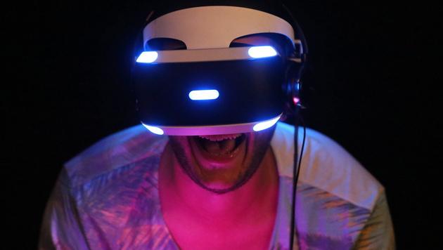 """""""Project Morpheus"""": Eintauchen in virtuelle Welten (Bild: APA/EPA/OLIVERBERG)"""