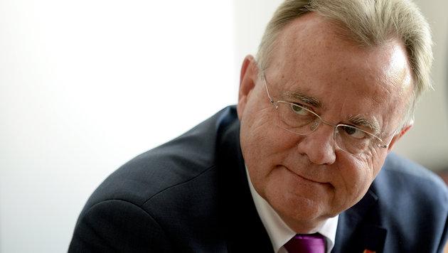 Hans Niessl (Bild: APA/ROLAND SCHLAGER)