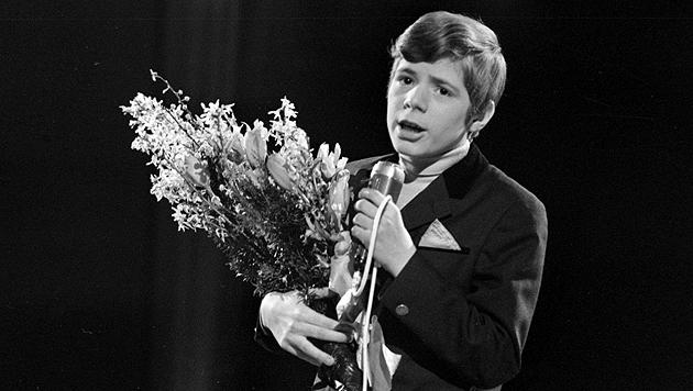 Bei einem Auftritt im Jahr 1970 (Bild: Wikipedia/Nationaal Archief)