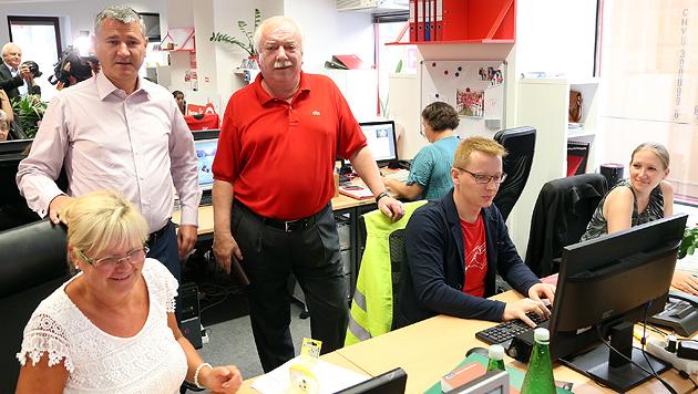 Seit Freitag ist die rote Wahlkampfzentrale offiziell eröffnet. (Bild: Zwefo)