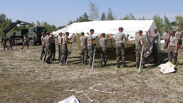 """Erster """"Asyl-Assistenzeinsatz"""" in der Kaserne (Bild: APA/Bundesheer/Gundl)"""