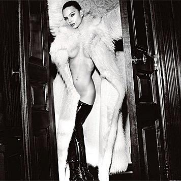 "Emily Ratajkowski sexy im ""GQ"" (Bild: instagram.com/emrata)"