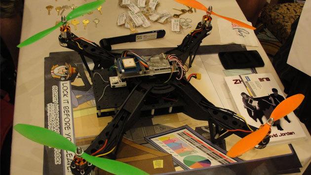 Hacker-Drohne dringt in WLAN-Netzwerke ein (Bild: AFP)