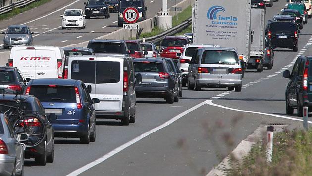 Pannenstreifen für Verkehr öffnen: Tests starten (Bild: APA/FRANZ NEUMAYR (Symbolbild))
