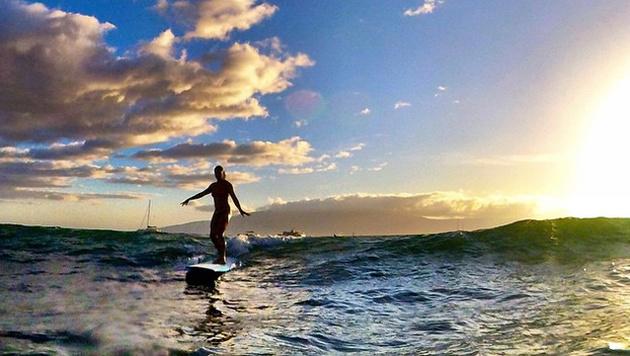 Julia Mancuso surft lieber auf Hawaii. (Bild: instagram.com/Julia Mancuso)
