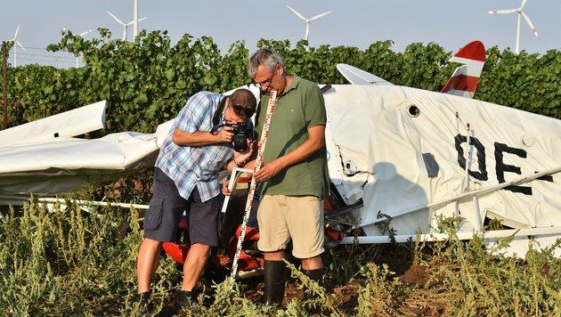 Neusiedl: Kleinflugzeug abgestürzt - Pilot tot (Bild: Patrick Huber)