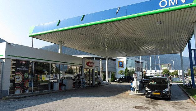 Auch die OMV-Tankstelle in Wörgl wurde am Montag zum Tatort. (Bild: ZOOM-Tirol)