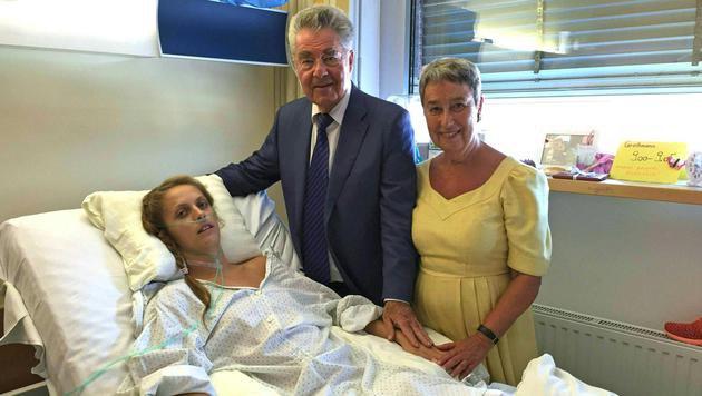 Bundespräsident Fischer besuchte Kira Grünberg (Bild: APA/TOM SPORTS CONSULTING)