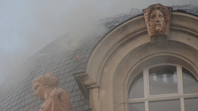 Feuerwehr-Großeinsatz im Wiener Palais Fanto (Bild: MA 68 Lichtbildstelle)
