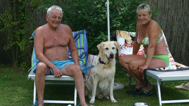 """Stammgäste sind Gisela und Peter Heuer aus Wien mit ihrem """"Lucky"""". (Bild: Claudia Fischer)"""
