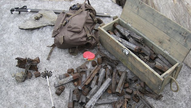 Bomben und Flugzeugteile aus 2. Weltkrieg entdeckt (Bild: APA/BERGRETTUNG PRÄGRATEN A.G.)