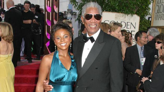 """Morgan Freeman mit seiner Stiefenkelin E""""dena Hines 2005 bei der Verleihung der 62. Golden Globes (Bild: Viennareport)"""