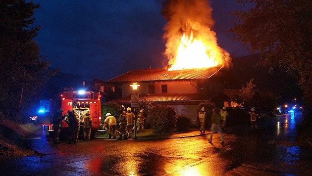 Familie entkommt Flammeninferno nur knapp (Bild: ZOOM-TIROL)