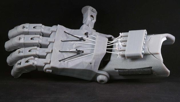 Sechsjähriger erhält neue Hand aus dem 3D-Drucker (Bild: enablingthefuture.org)