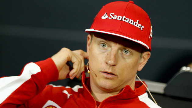Kimi Räikkönen fährt auch 2016 für Ferrari (Bild: APA/EPA/SRDJAN SUKI)