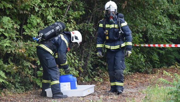 Chlorgas ausgetreten: 52-Jähriger verletzt (Bild: Lukas Derkits/Pressestelle BFK Mödling)
