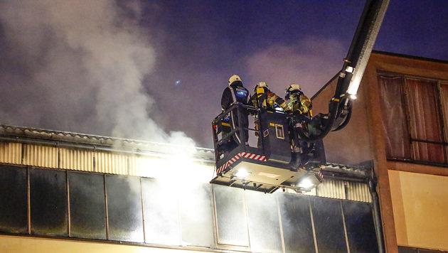 Großeinsatz der Feuerwehr bei Lagerhallenbrand (Bild: MARKUS TSCHEPP)