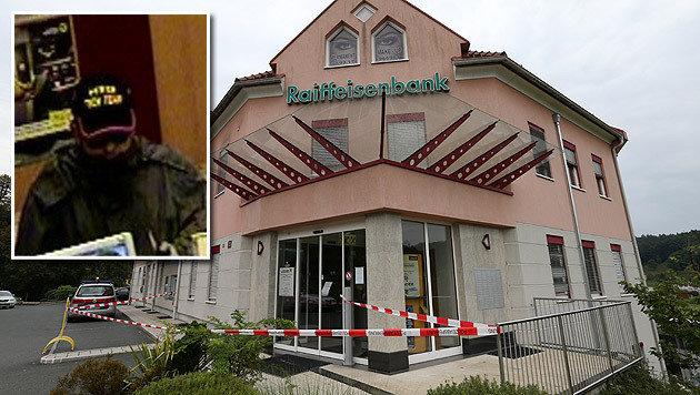 Räuber mit Messer sucht Bankfiliale heim (Bild: Jürgen Radspieler, LPD Steiermark)