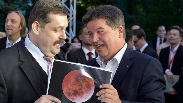 Werner Gruber und Reinhold Entholzer (Bild: APA/HERBERT NEUBAUER)