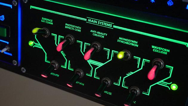 Tastatur war gestern: Tüftler baut PC-Schaltpult (Bild: imgur.com/a/DyQZL)