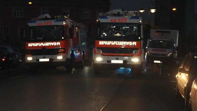 Ein Großaufgebot der Linzer Feuerwehr rückte an. (Bild: Berufsfeuerwehr Linz)