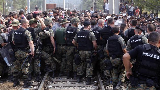 Fünf-Punkte-Plan gegen Asyl-Krise in der EU (Bild: APA/EPA/GEORG HOCHMUTH)