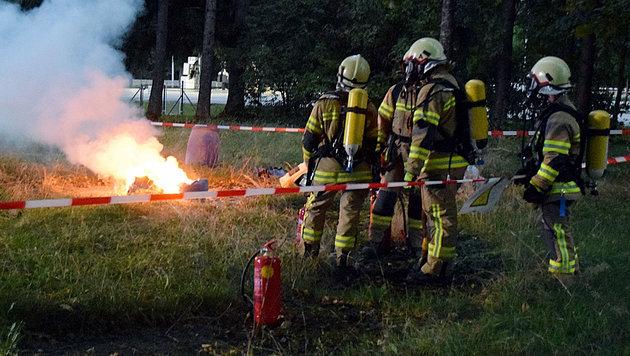 Chemikalien-Brand in Salzburg forderte Feuerwehr (Bild: APA/FMT-PICTURES)
