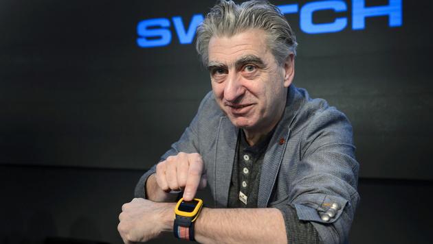 Smartwatches für Swatch-Chef nur Stromfresser (Bild: APA/EPA/LAURENT GILLIERON)