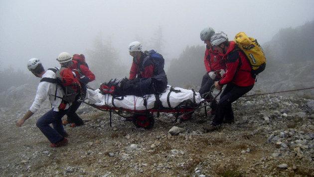 69-Jähriger stürzt über Felswand in den Tod (Bild: APA/Roland Mühlanger (Symbolbild))