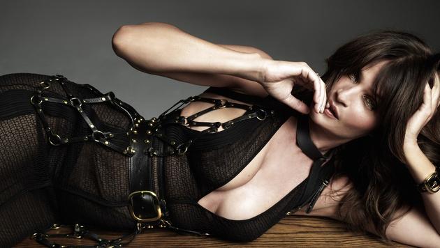 """So sexy zeigt sich Helena Christensen im neuen """"No Tofu""""-Magazin. (Bild: facebook.com/no.tofu)"""