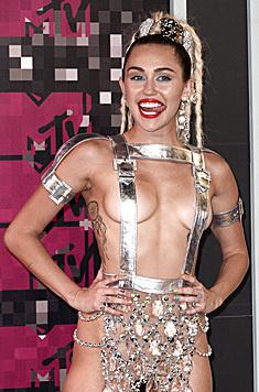 Da war nicht viel Stoff auf Mileys Haut - weder oben ... (Bild: EPA)