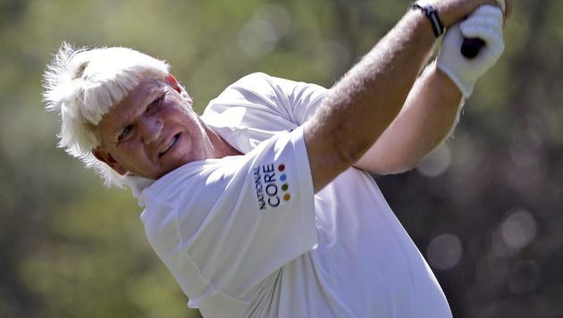Golfer Daly nach Kollaps rauchend auf dem Platz (Bild: AP)