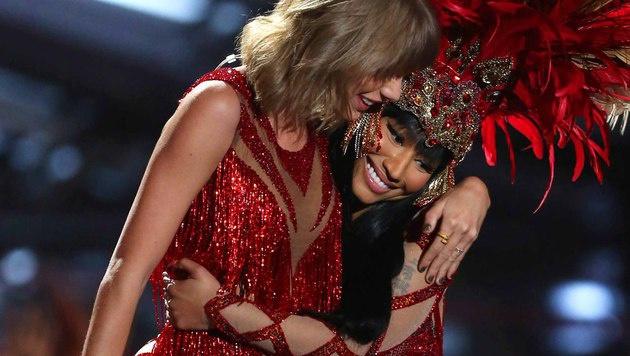 Dabei legten Nicki Minaj und Taylor Swift ihren Streit mit einem gemeinsamen Auftritt nieder. (Bild: Matt Sayles/Invision/AP)