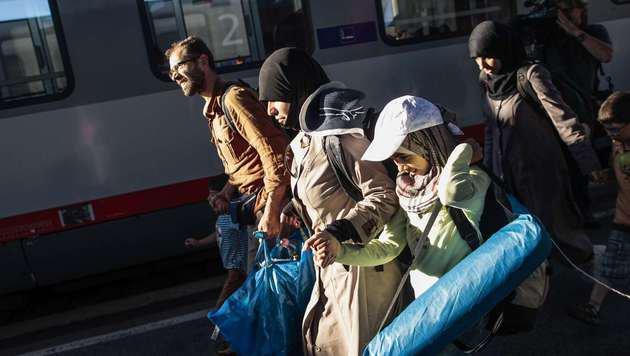 Westbahnhof: Hunderte Flüchtlinge angekommen (Bild: AFP)