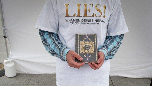 Wien: Bezirkschef will Koran-Verteilung verbieten (Bild: KIETZMANN,BJÖRN / Action Press / picturedesk.com)