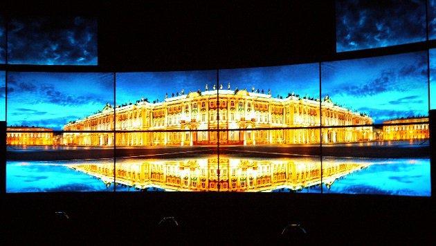 OLED-Fernseher sind heuer der Star am Stand von LG Electronics. (Bild: Dominik Erlinger)