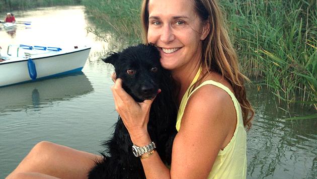 """""""Krone""""-Tierexpertin Maggie Entenfellner fischte """"Basti"""" aus dem Neusiedler See. (Bild: privat)"""