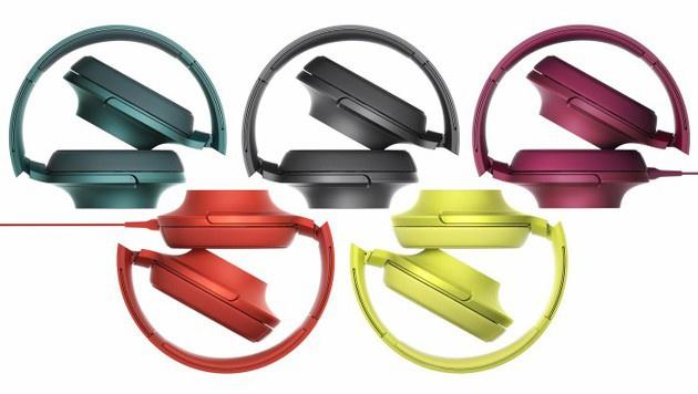 """Farbenfroh und zusammenklappbar: der Sony-Bügelkopfhörer """"h.ear on"""". (Bild: Sony)"""