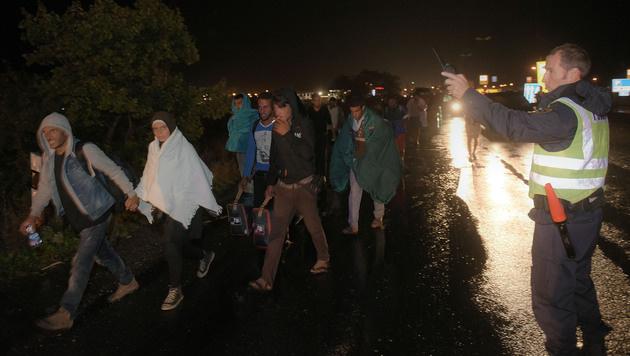 Alle Bilder & Videos zur Nacht der Menschlichkeit (Bild: APA/HERBERT P. OCZERET)